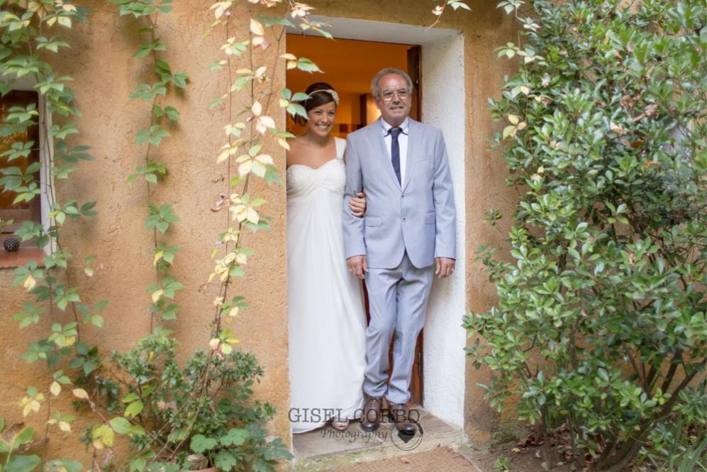 boda-masia-rustica-novia-y-padre