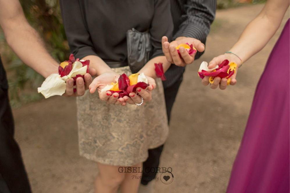 boda-petalos-corazonBarcelona-masia-02