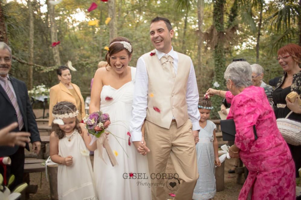 boda-petalos-corazonBarcelona-masia-03