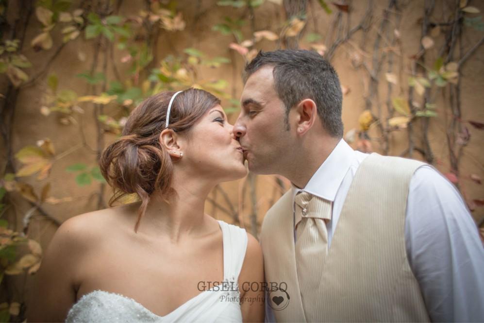 fotografo-boda-natural-beso-amor01