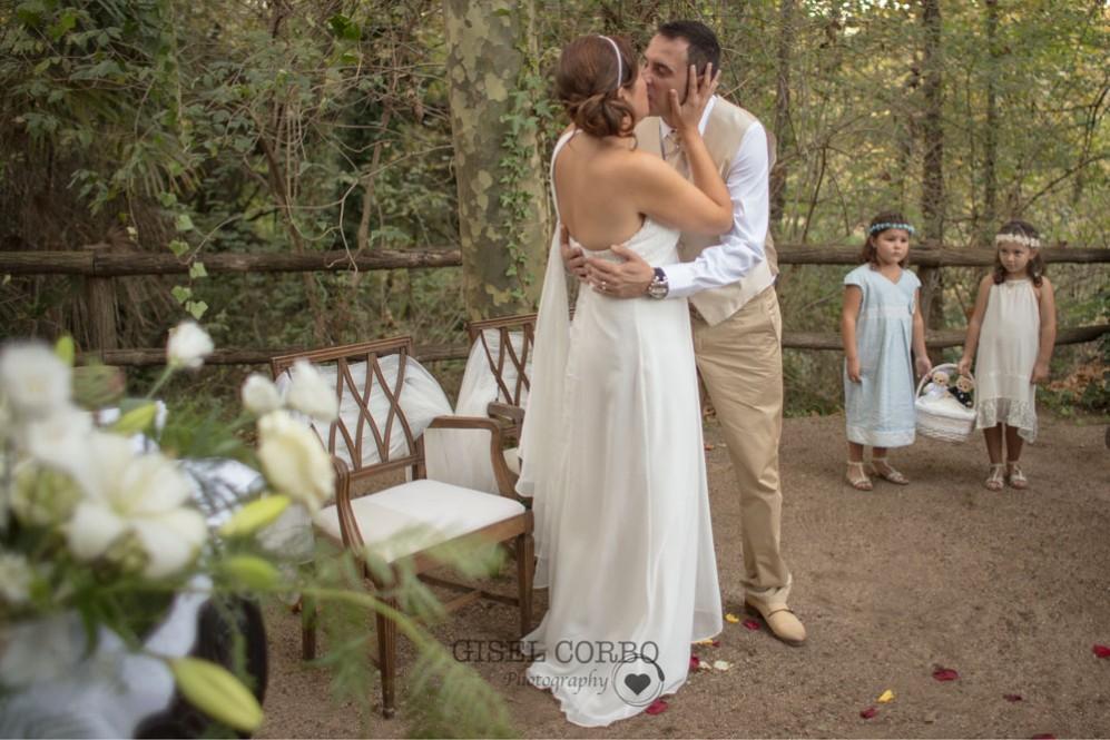 fotografo-boda-natural-beso-amor03