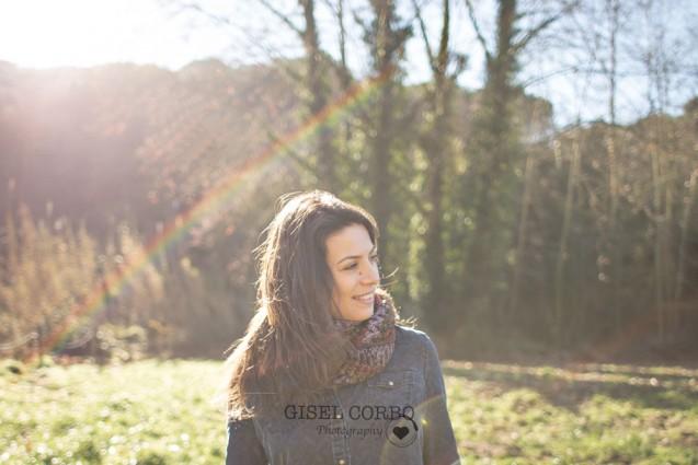 retrato-chica-campo-arcoiris