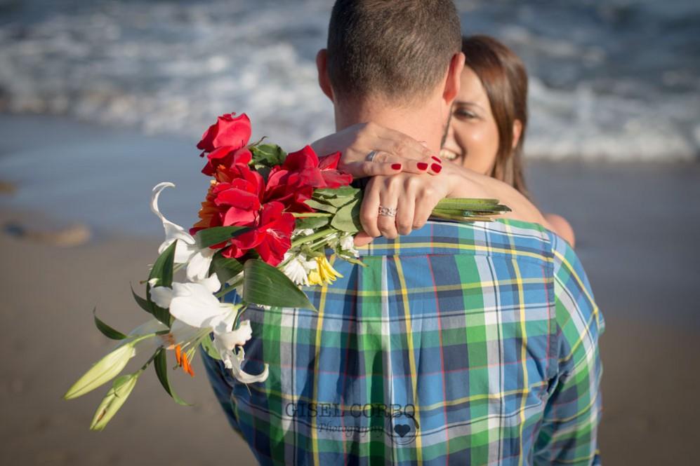 anillo-compromiso-novia-playa