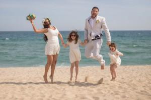 foto-boda-playa-maresma-familia