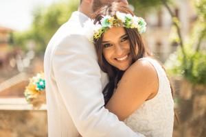 mirada-novia-boda-corona-flores