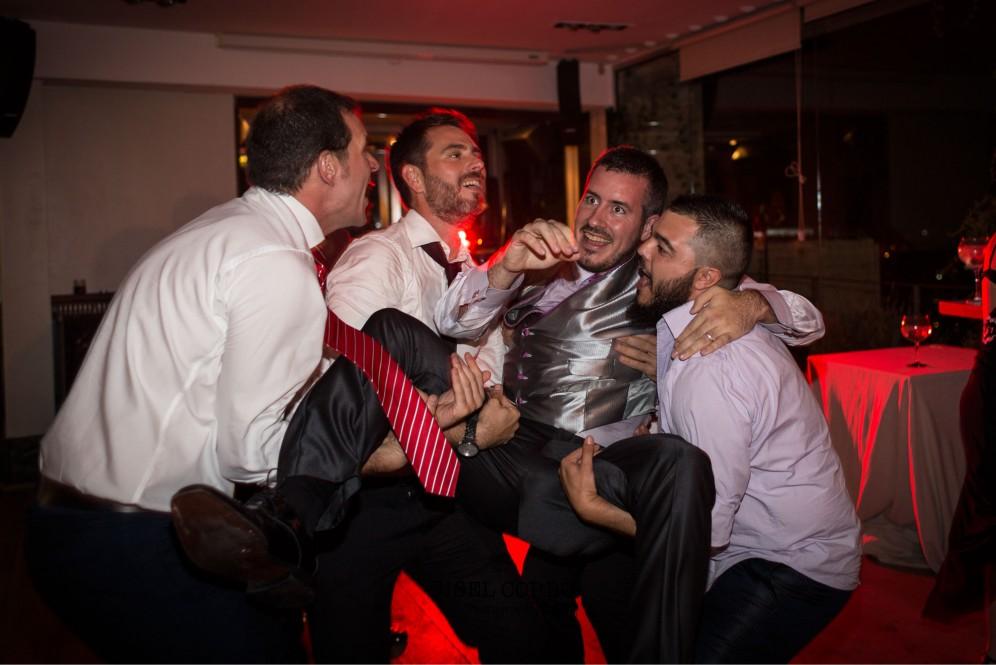boda barcelona baile divertido novio amigos