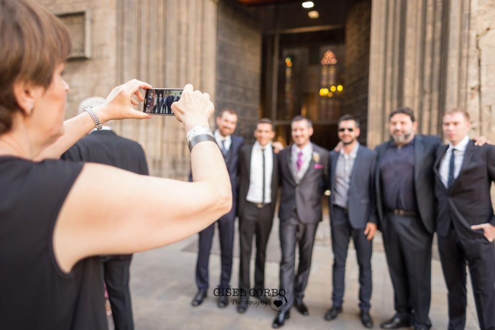 boda barcelona foto amigos divertida