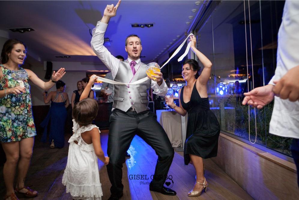 fotografo boda barcelona baile divertido novio