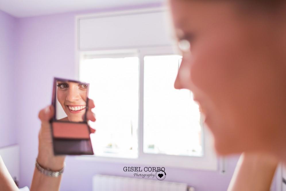 novia mirando espejo sonrisa catalunya