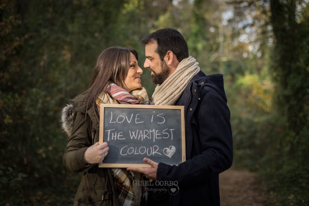 026 love is the warmest colour engagement sesion