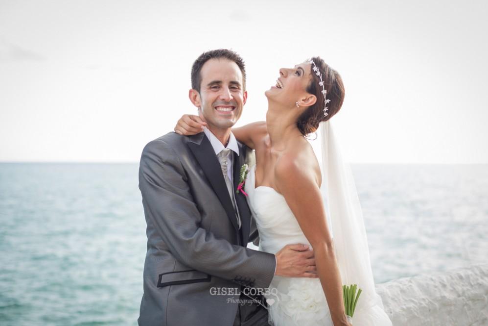 47 novios felices en reportaje de boda ibizenca