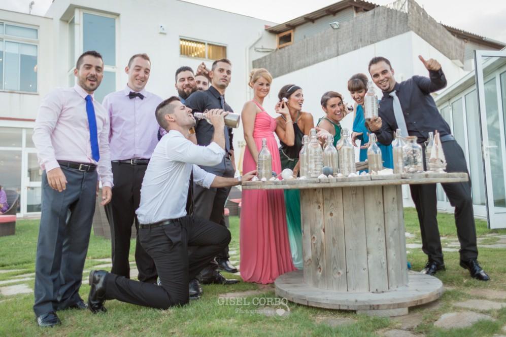 58 amigos divertidos de los novios en la boda