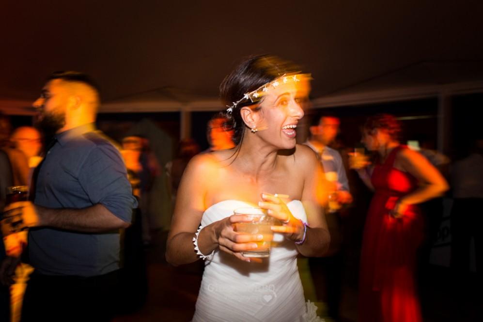 72 novia divertidabailando en su boda